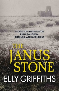 The Janus Stone (Dr Ruth Galloway Mysteries 2) - Elly Griffiths