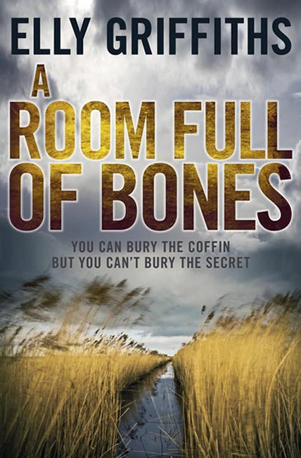 A Room Full of Bones (Dr Ruth Galloway 4) - Elly Griffiths